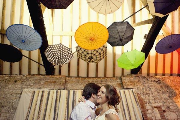decorar-con-paraguas-6
