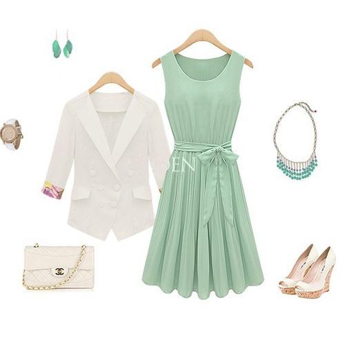 Cómo combinar vestido verde menta con color blanco