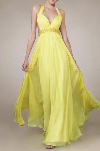 Cómo combinar ropa amarilla en vestidos para invitadas de bodas o fiestas