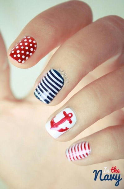 Cómo combinar - Inspiración marinera - Pintarse las uñas