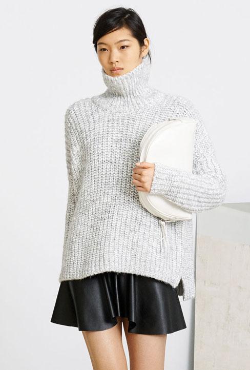 Cómo combinar jersey xxl y falda polipiel - tendencias 2013