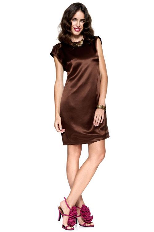 Cómo Combinar vestido de fiesta marrón con fucsia