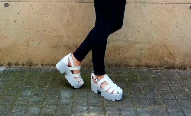 467a16212 Las sandalias con plataforma blanca están de moda
