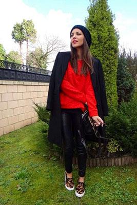 cómo combinar los colores de la primavera rojo y negro