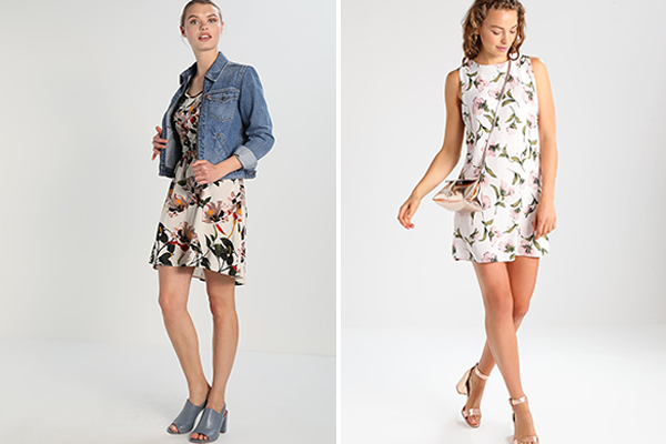 cómo combinar un vestido de flores con sandalias