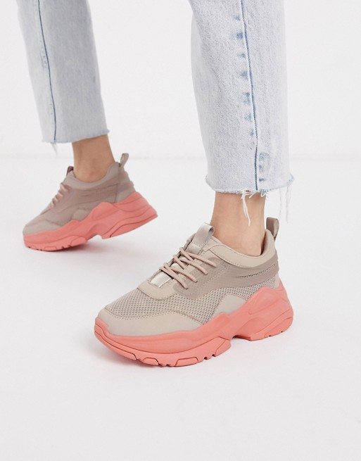 sneakers_coral