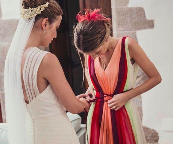 cómo se viste la hermana de la novia colores