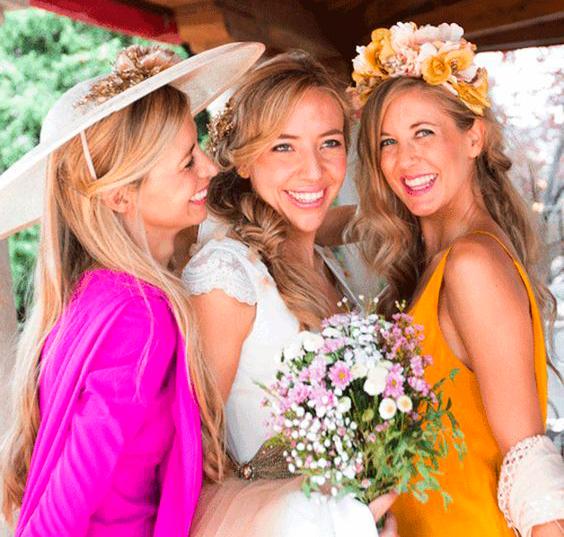cómo se viste la hermana de la novia tocados