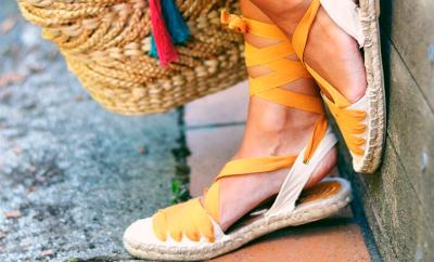 cómo combinar alpargatas en verano mujer