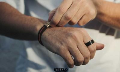 anillo-negro-con-pulsera