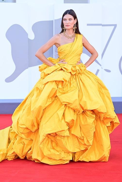 vestido_amarillo